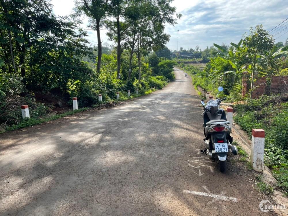 Cần bán đất 2 lô liền kề MT Nguyễn Xuân Nguyên 10x46,5m, xã Ea Tu