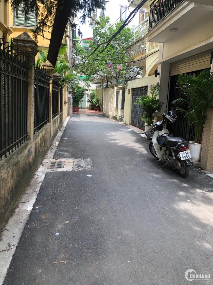 CHÍNH CHỦ nhờ bán gấp đất Việt Hưng,giá siêu hot!