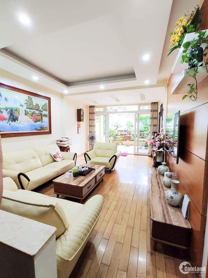 Bán nhà Lạc Trung, 5Tx90m, phân lô, ô tô, văn phòng, dân trí cao. 14,8 tỷ.
