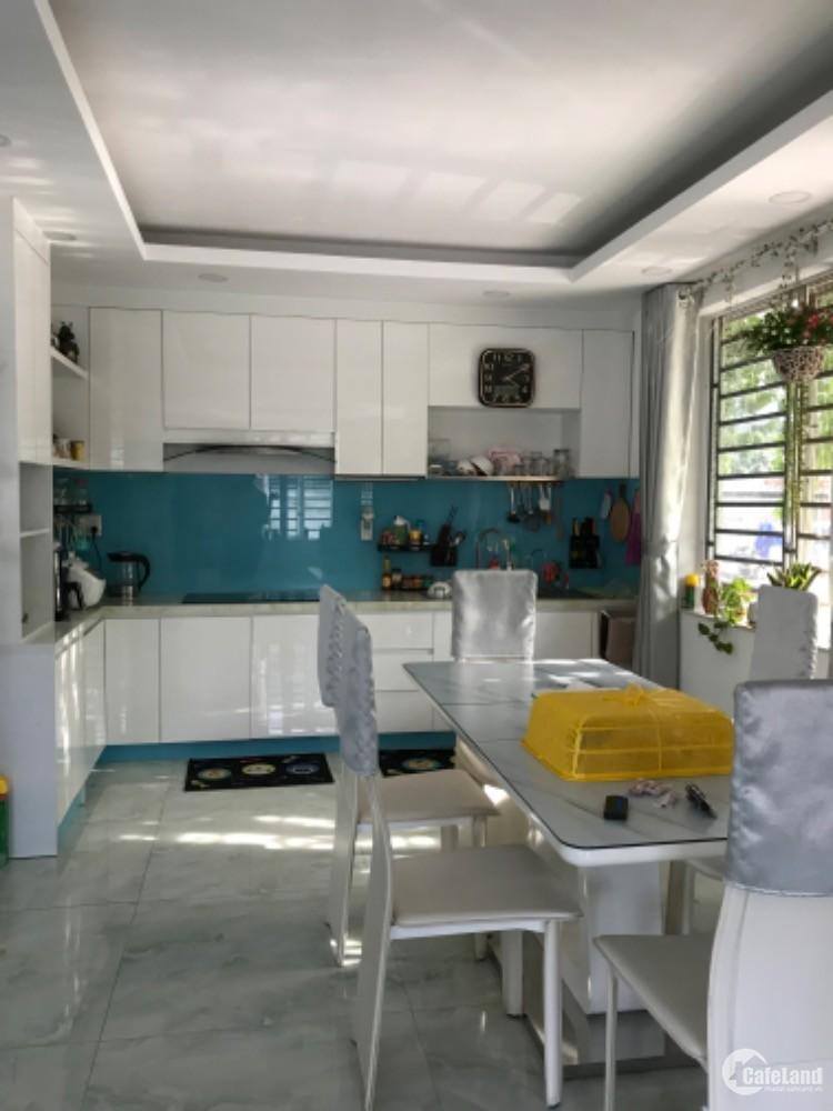 Bán nhà mt Lê văn lương lô gốc 180m2 nhà mới giá thương lượng mạnh