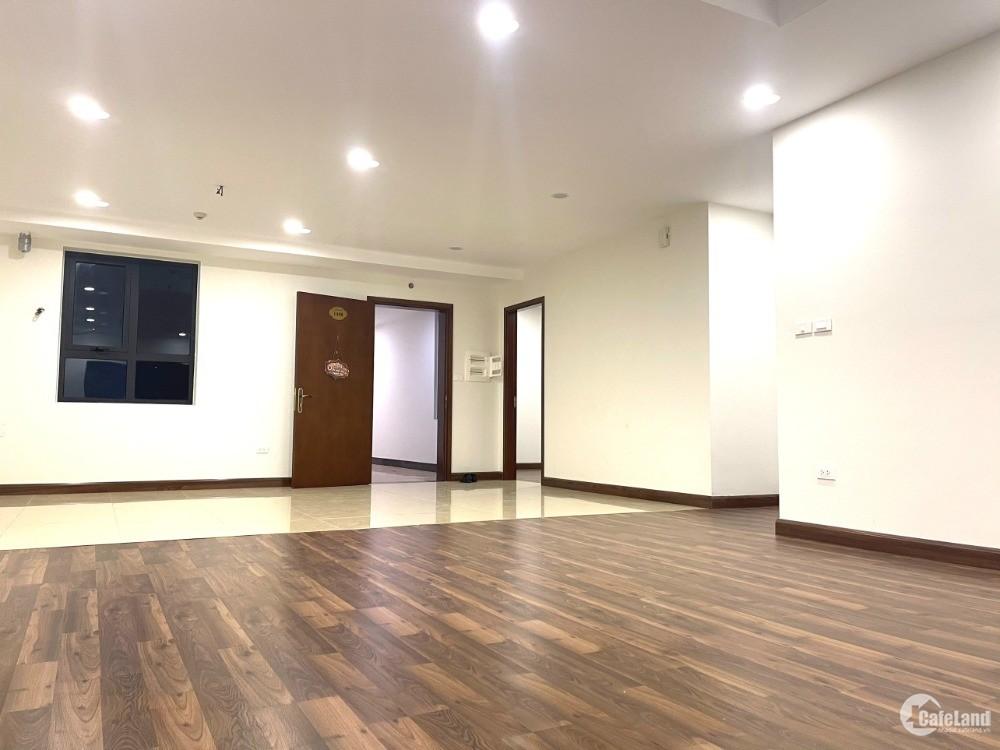 Cần nhượng lại suất ngoại căn 4 ngủ, 139m2, tòa Diamond Goldmark City. giá rẻ