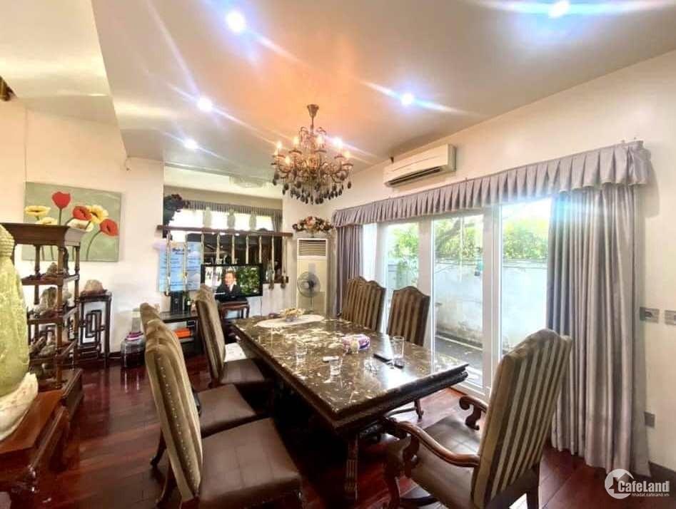 Tôi bán biệt thự khu đô thị Văn Phú gần công viên 238m2 chỉ 16.38 tỷ.