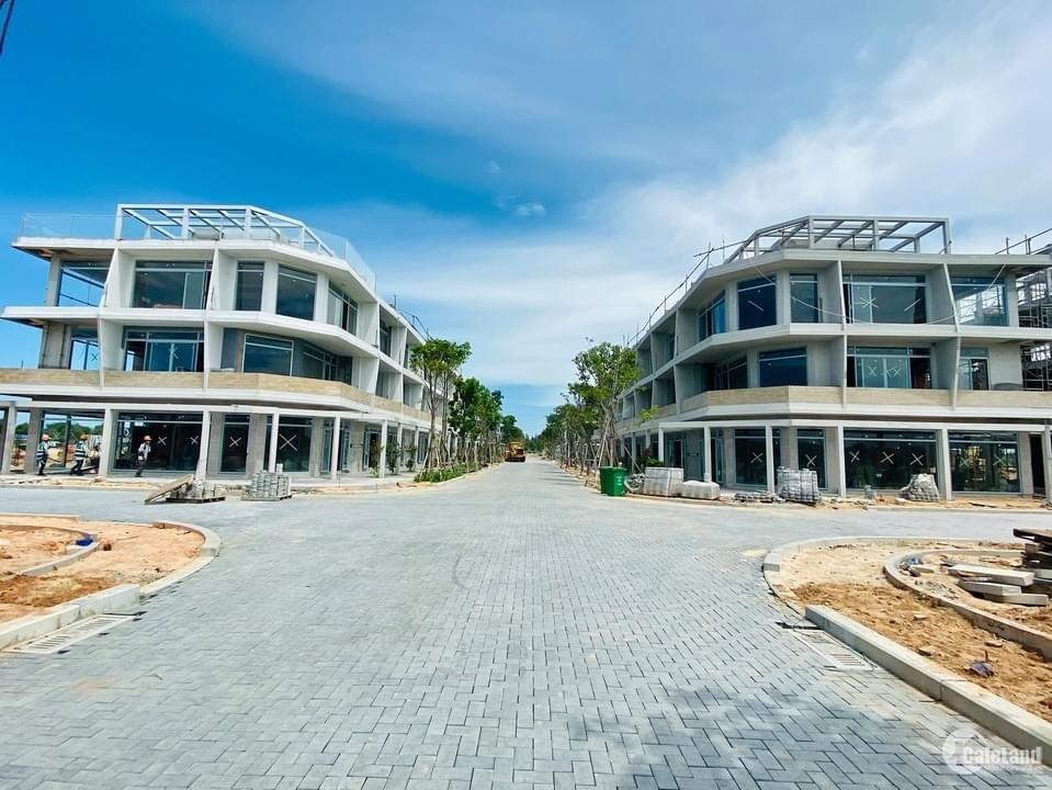Nhà phố biển 2 mặt tiền, 1 trệt 2 lầu ngay thủ phủ Nam Phan Thiết