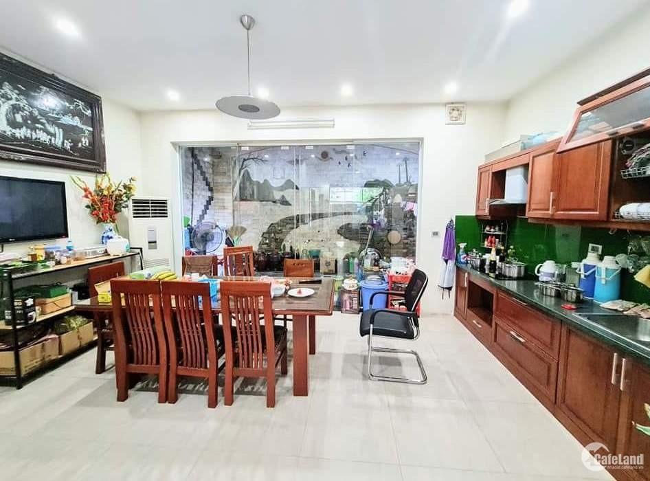 Tôi bán nhà mặt phố Xã Đàn sầm uất, mặt tiền rộng 55m2x5T chỉ 24.68 tỷ.