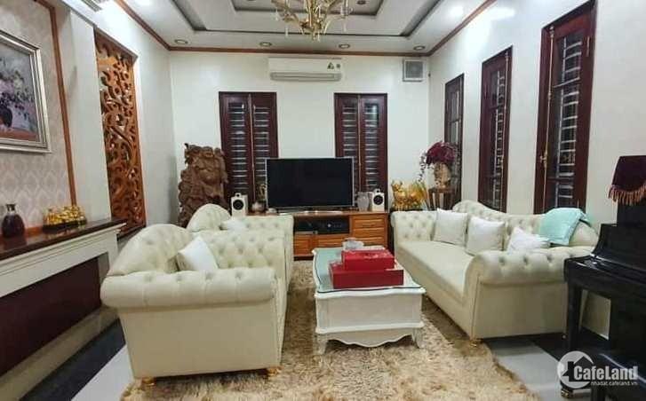 Tôi bán nhà mặt phố cổ Hàng Đường gần chợ Đồng Xuân 28m2x4T chỉ 15.68 tỷ