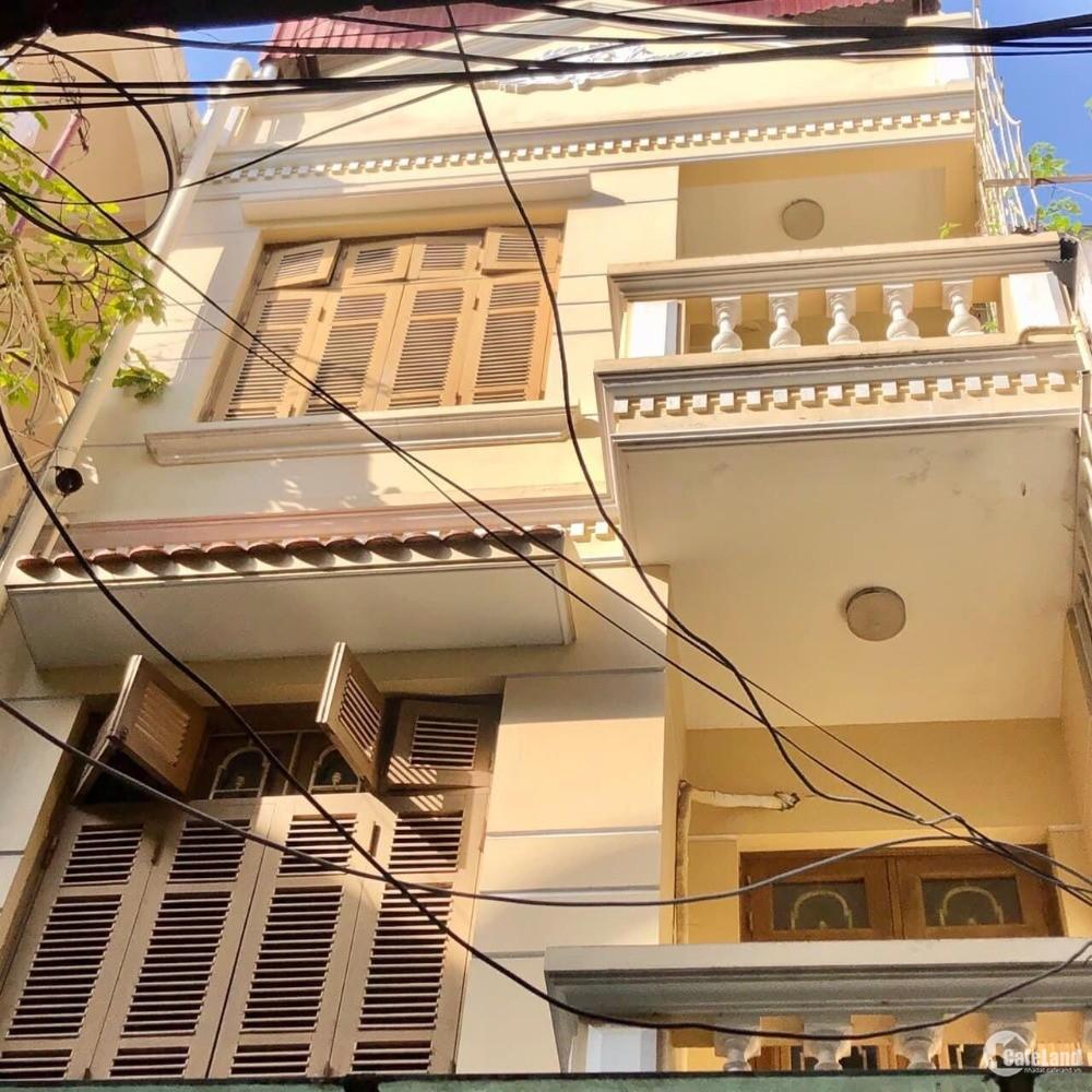 Nhà 63m2 Đào Tấn có sân riêng,4 tầng, 8.7 tỷ hướng chính Nam, Ba Đình.