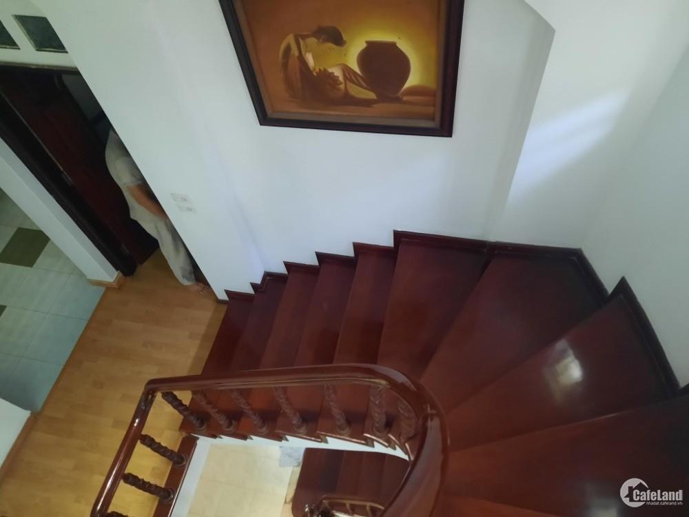Nhà Đào Tấn 81m2, ô chờ thang máy, 6.1m mặt tiền, 12.5 Tỷ Ba Đình