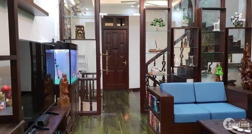 Nhà cực đẹp Nguyễn Khánh Toàn 85m2, sát oto, có ô chờ thang máy, 10.5tỷ