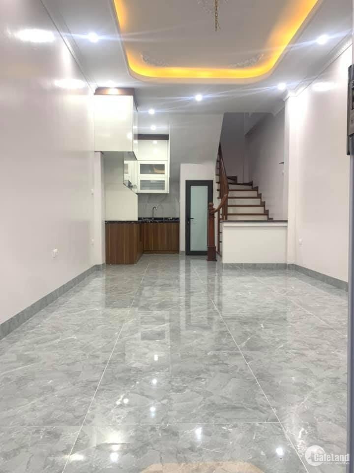 Nhà Võ Chí Công 35m2, nội thất mới tinh, ngõ thoáng, an ninh tốt, 3.6tỷ