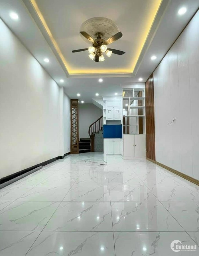 Nhà Nguyễn Khánh Toàn 36m2, nội thất mới, ngõ thông thoáng, 3.95tỷ