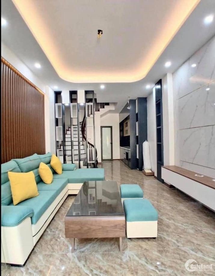 Nhà phố Phùng Chí Kiên-Cầu Giấy, Phân lô vuông đét, 41m2*5T, MT 4m, Giá cực tốt!