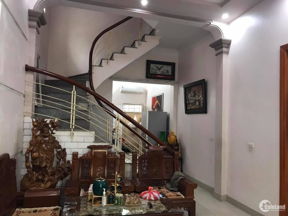 Bán nhà đường Nguyễn Văn Linh, TP HD, 62.5m2, mt 4.05m, 3 tầng, 3 ngủ, hướng đôn