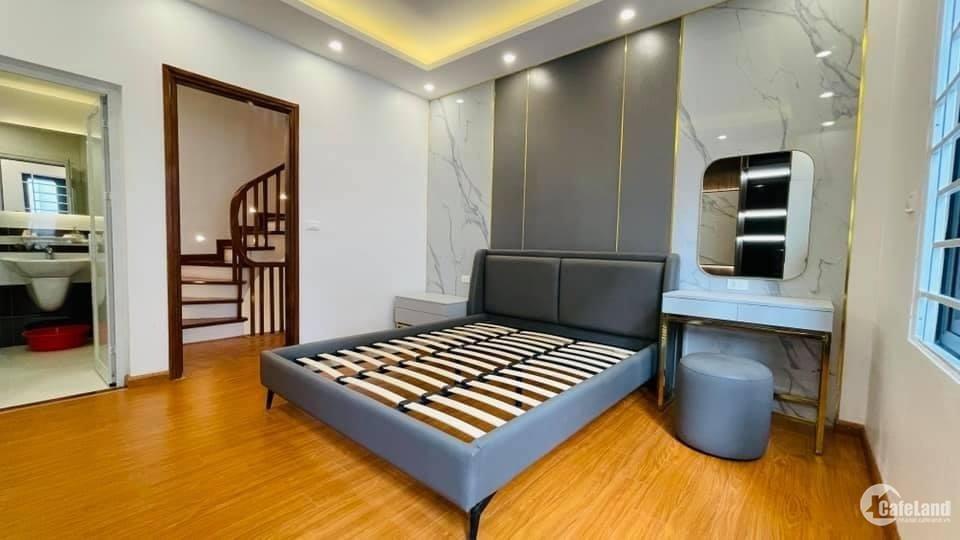 Hot! Nhà nhỏ xinh phân lô Lê Quang Đạo, DT 30m2 x 4,5 tầng – phù hợp gia đình