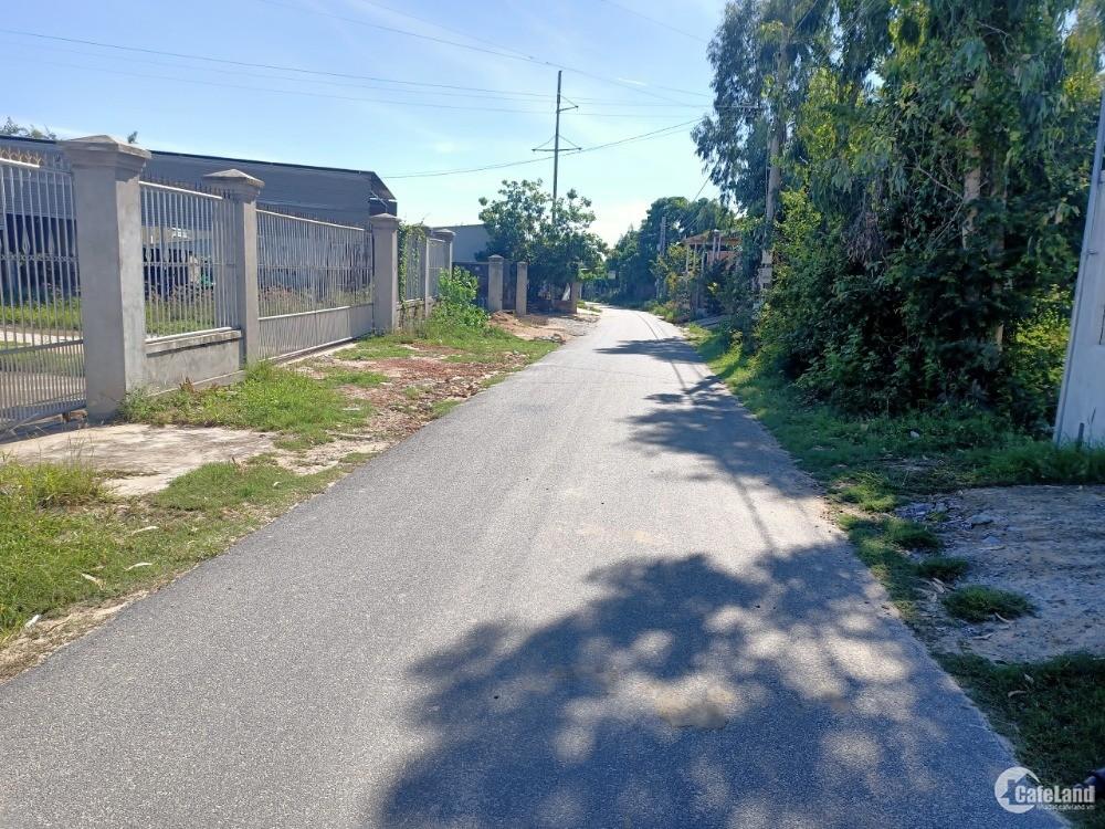 siêu phâm full thổ cư đường nhựa 22m giá cực rẻ đất được rao vuông vứt gần đầm