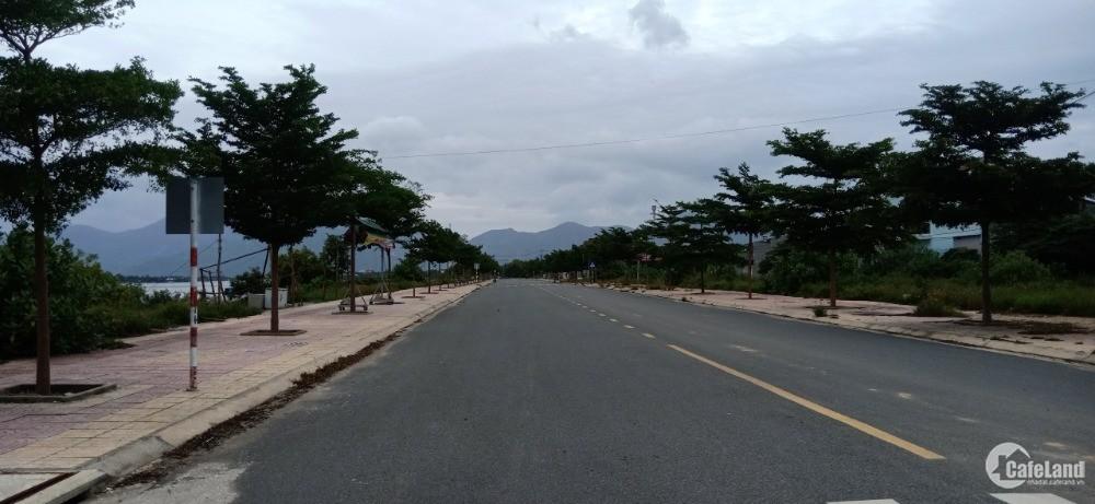 Đất Hai Mặt Tiền Tái Định Cư K8 Bãi Dài Cam Lâm Cạnh Sân Bay. LH. 0973078745