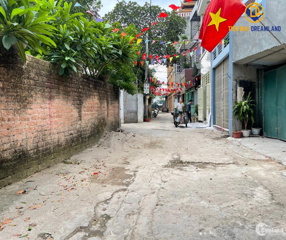 Lô đất nằm tại Trung Sơn Trầm Sơn Tây Hà Nội 129m2 cần bán gấp LH: A Tiến
