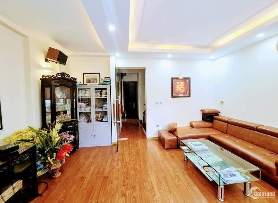 Tôi bán nhà mặt phố Trần Khát Chân gần Phố Huế, MT 6m, 60m2 chỉ 16.99 tỷ