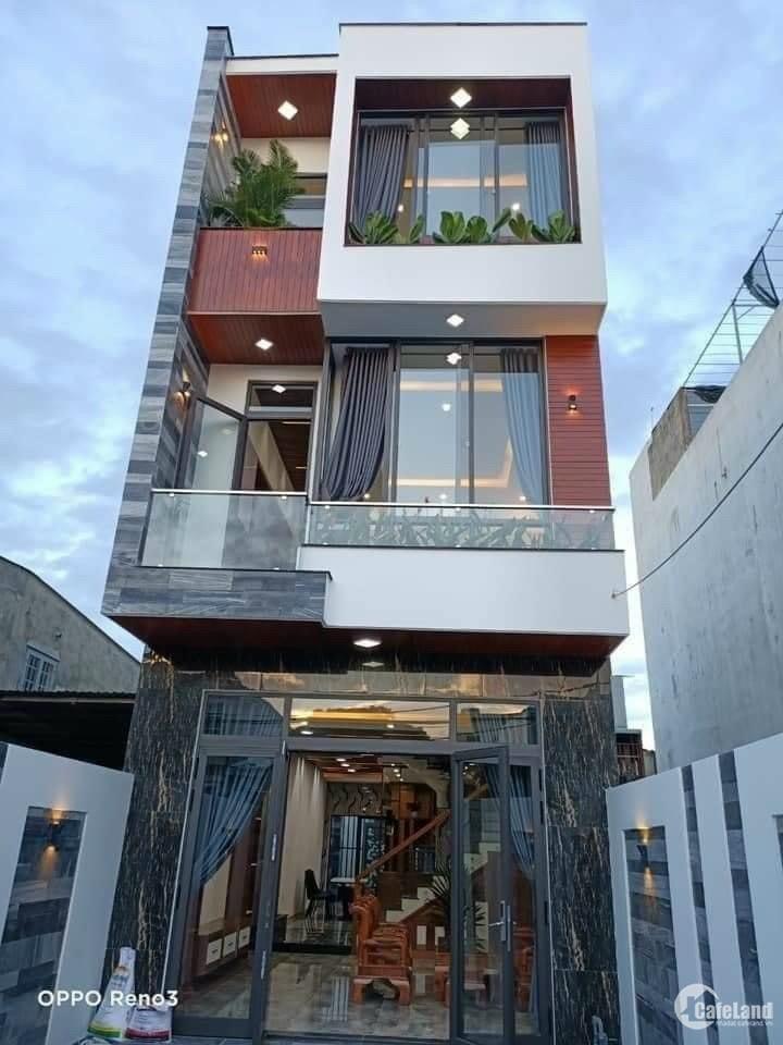 Bán nhà 3 Tầng đẹp MT đường Lê Thiệt Hòa Minh cách biển 200m