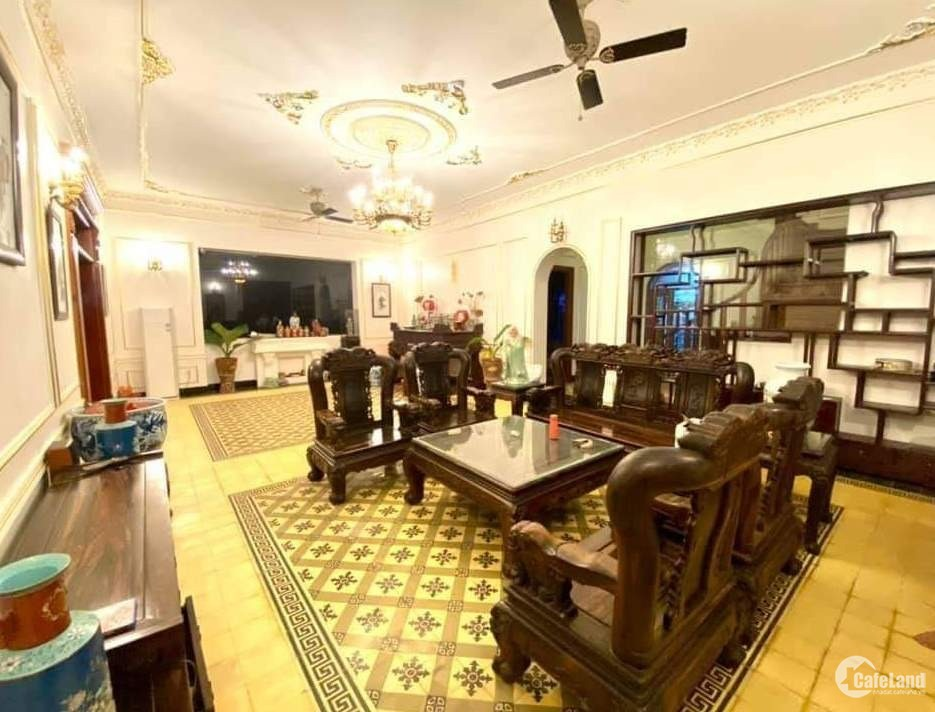 Tôi bán nhà mặt phố Yên Phụ, Nghi Tàm view Hồ Tây 66m2x6T chỉ 24.68 tỷ.