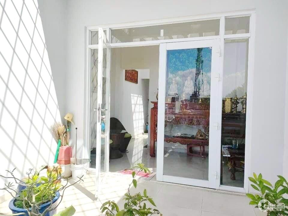 Nhà mặt tiền đường chính Đào Cam Mộc P4 Q8