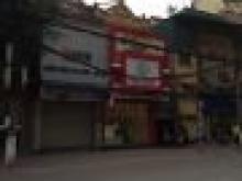 Cho thuê nhà làm hàng ăn mặt phố Lò Đức: 80m, mặt tiền 5m, vỉa hè rộng rãi.