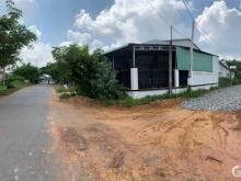 Cần bán 2 lô liền kề có sổ,thổ cư cầm tay sẵn. Giáp Kcn Phước Đông 3 km tới đất.
