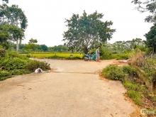 Bán đất Quốc oai chạy thẳng  đại lộ thăng long, đường 6m, giá cực rẻ