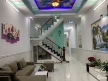 Nhà mới xây ngay khu dân cư chợ Hưng Long 100m2 4PN 2WC giá rẻ