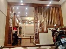 Cho thuê nhà Quang Trung, làm spa, homestay, 35m2, giá 10 triệu.