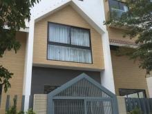 Cần tiền bán gấp 2 căn nhà phố ngay trung tâm thành phố Bà Rịa giá rẻ