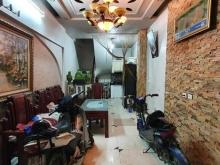 Bán nhà nhỉnh 2 tỷ Lĩnh Nam Hoàng Mai Hà Nội 32m x5 tầng,giá 2 tỷ1,lh 0968181902