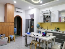 Mặt tiền Nguyễn Thiện Thuật-Quận 3-Kinh doanh ,cho thuê,làm văn phòng cực tốt