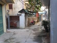 Bán nhanh mảnh đất 38 m giá chỉ có 1,45 tỷ tại phường Long Biên