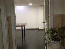 Cho thuê văn phòng đẹp MT Phan Xích Long, PN, 20m2, 6.5 triệu bao thuế.
