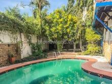 Villa Thảo Điền cần bán, trong khu Commpound, 18x36m, 3 tầng, hồ bơi + sân vườn