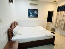 Bán Khách sạn đường số 8 KDC Trung Sơn .DT: 5x20m trệt 4 lầu .Full nội thất gỗ .