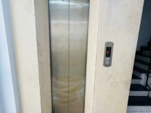 Cho thuê nhà MT đường 9A KDC Trung Sơn.DT: 6x20m thang máy.Giá ; 50tr/th.