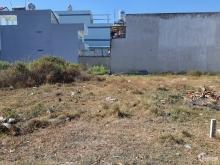 Đất chính chủ cần bán gấp, diện tích 1000m2, có sổ riêng, đường 12 mét, giá 1,2