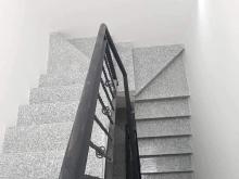 Cho thuê nhà mới xây MT đường Hồ Thị Kỷ, p1, q10. DT: 48m2.4 lầu. Giá: 48tr/th