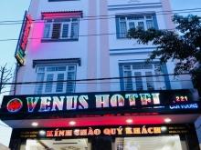 cần bán khách sạn trung tâm thành phố Quy Nhơn gần biển