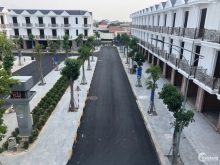 Liên hệ nhận bảng giá từ CĐT - Nhà phố xây sẵn ngay trung tâm Tp Dĩ An