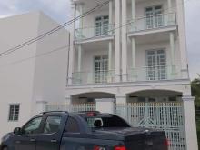 Bán nhà mới xây gồm: 1 trệt, 2 lầu, 3 phòng ngủ, có sân thượng thoáng mát ...