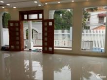 Biệt thự đường Nguyễn Văn Hưởng, Thảo Điền, Quận 2. Diện tích: 500m2. Giá tốt.
