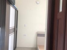 Cho thuê căn hộ 2 phòng ngủ có 2 toilet, 2 ban công