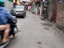 Chủ cần bán đất phố trạm Long Biên Hà Nội 136m,MT 7m,giá 85tr/m, lh0968181902.