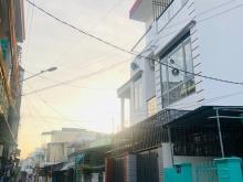 Cần tiền bán gấp nhà 3 tầng mới xây ngay cầu hộ gần chợ Phương Sài chỉ 3,4 tỷ