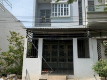 Bán gấp nhà Đoàn Nguyễn Tuấn bình chánh mới xây 80m2/ 1 tỷ 7 SHR