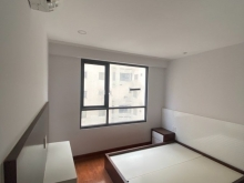 Chính chủ cho thuê căn hộ cao cấp  A3-23-17 Gold View 82m2