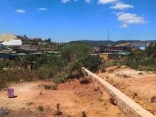 Cần bán gấp đất nền xây biệt thự hoặc nhà nghỉ tại trung tâm thị trấn lạc duong
