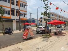 Cần bán nhà mặt tiền kinh doanh Oasis City, KCN Mỹ Phước, Tp. Bình Dương